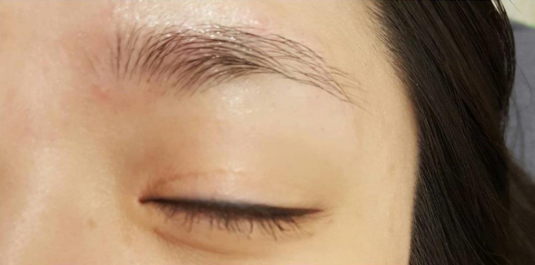 マユライズの口コミは本当?効果が抜群と話題のまゆ毛専用美容液のまゆ毛を生やして伸ばす効果とは!