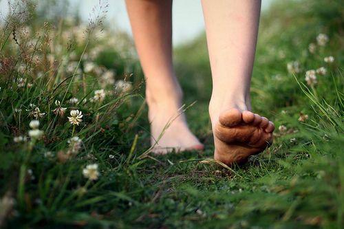 足がむずむずする,むずむず脚症候群,原因,対処法,寝てるとき 足 むずむず,改善